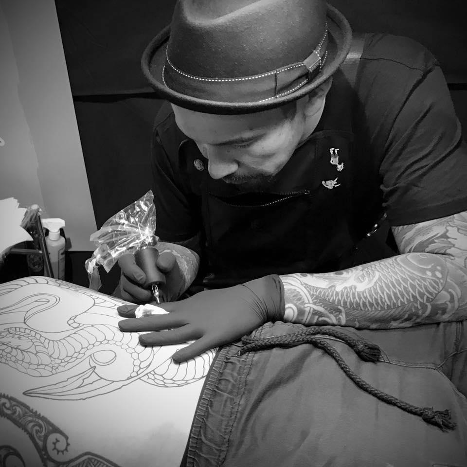 Enku Shoji tattooing